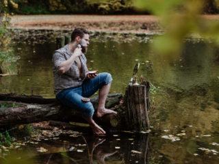 Golenie brzytwą w jeziorze